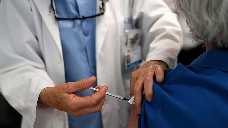 Dünya genelinde 2 milyar dozdan fazla Kovid-19 aşısı yapıldı