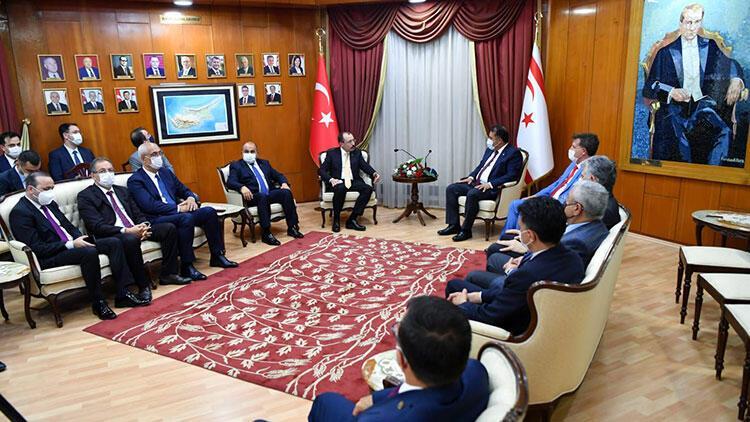 Bakan Muş, KKTC Meclis Başkanı Sennaroğlu ve Başbakan Saner tarafından kabul edildi