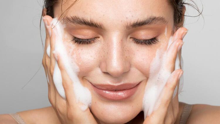 Cilt sağlığımızı korumak ve cildimizi güçlendirmek için ne yapmalıyız?