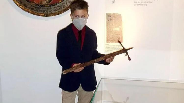 12 yaşındaki İlyas 400 yıllık kılıç buldu!