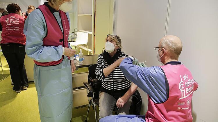 Merkel, Kovid-19 salgınından çıkış yolunun aşılar olduğunu belirtti