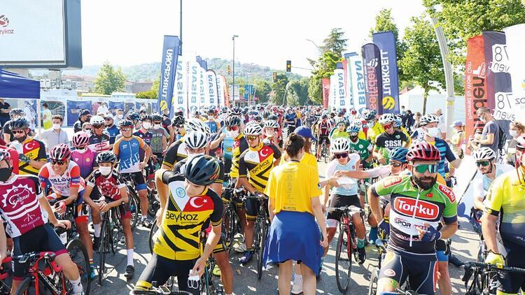 Sağlıkçı çocukları için İstanbul GrandFondo'da bin kişi pedal çevirdi