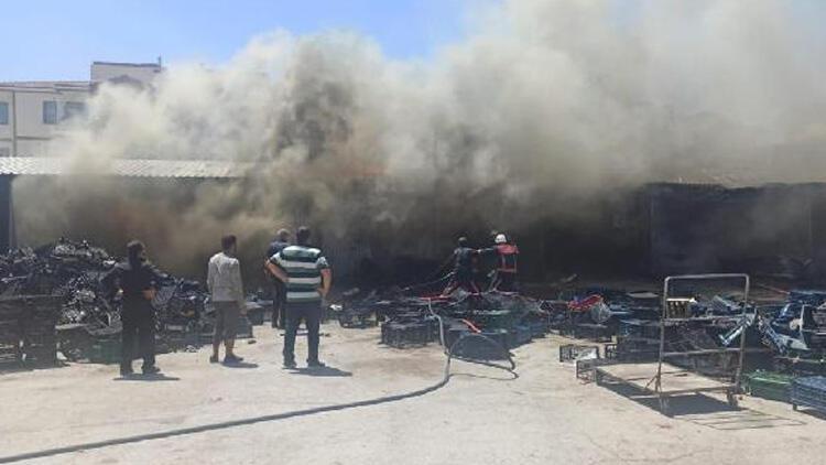 Elazığ'da sebze halinde yangın!