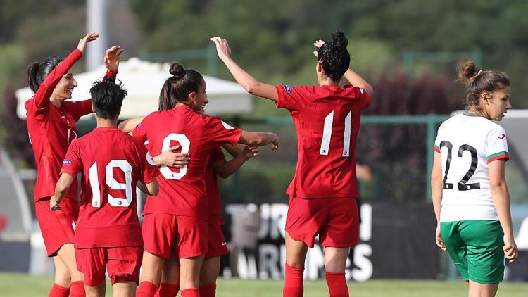 A Milli Kadın Futbol Takımı, özel maçta Bulgaristan'ı 3-1 yendi