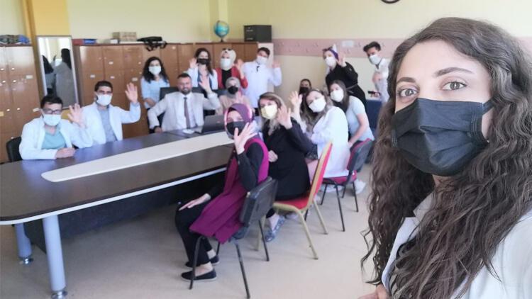 Bakan Selçuk sınırdaki öğretmenlerle görüştü