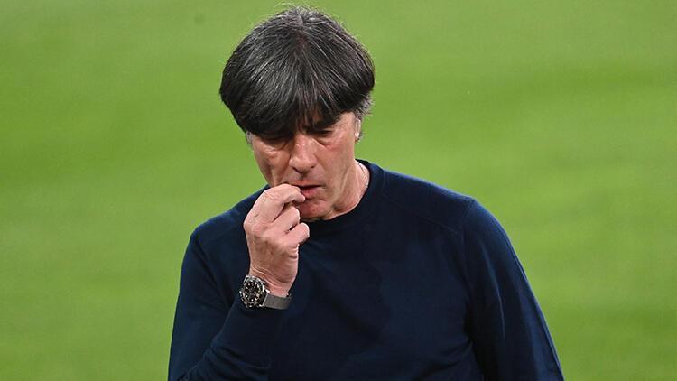 Bundesliga renkli, Joachim Löw renksiz