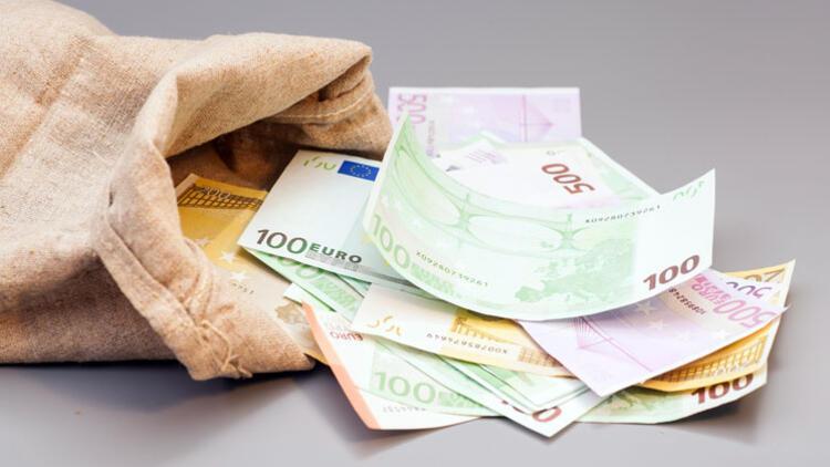 Radyo ve TV'ler için 8 milyar euro vergi toplandı