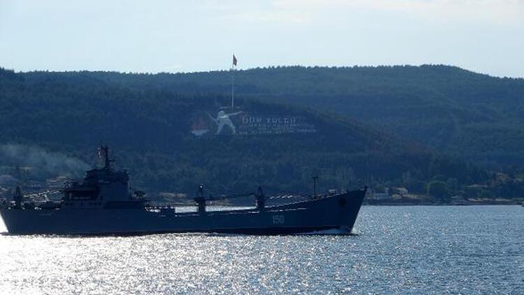 Rus savaş gemisi 'Saratov' Çanakkale Boğazı'ndan giriş yaptı