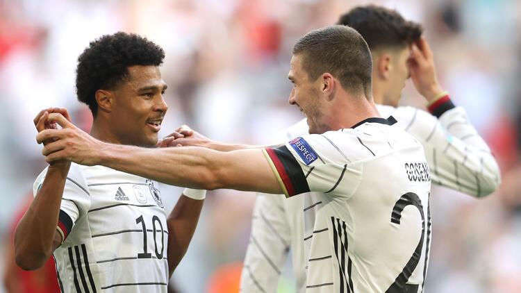 Almanya gövde gösterisi yaptı