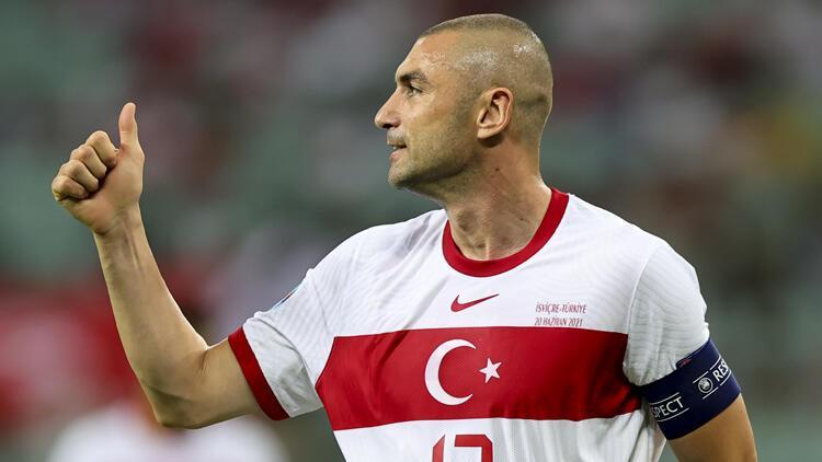 A Milli Takım Kaptanı Burak Yılmaz, İsviçre maçı sonrası helâllik istedi