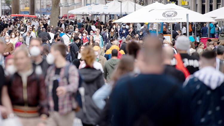 Almanya'nın nüfusu 2011'den beri ilk kez geriledi