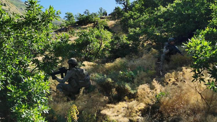 Son dakika: MSB duyurdu! 2 PKK'lı terörist etkisiz hale getirildi