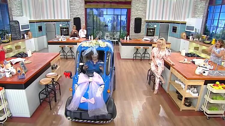 Gelinim Mutfakta Neriman kimdir? Stüdyoya arabayla girdi!