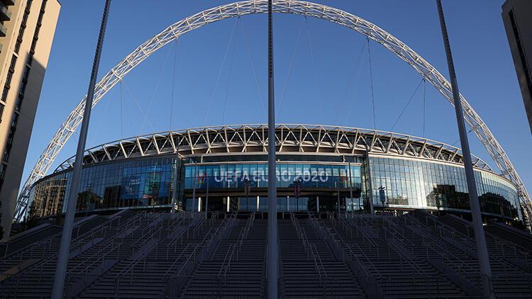 İngiltere hükümetinden EURO 2020 finali kararı Wembleyde taraftar sayısı...