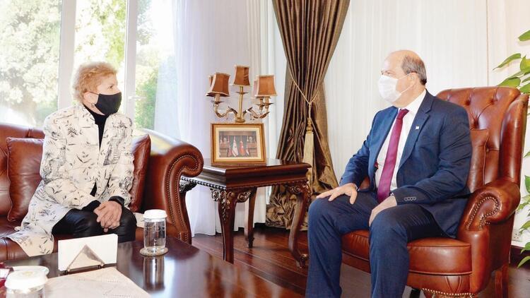 Tatar: Kıbrıs'ta zorlama barışa izin vermeyeceğiz