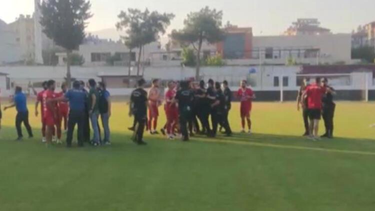 Hatay'da amatör maçta kavga! Polis müdahale etti