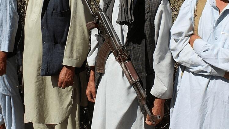 Afganistan'ın kuzeyindeki 2 ilçe Taliban kontrolüne geçti