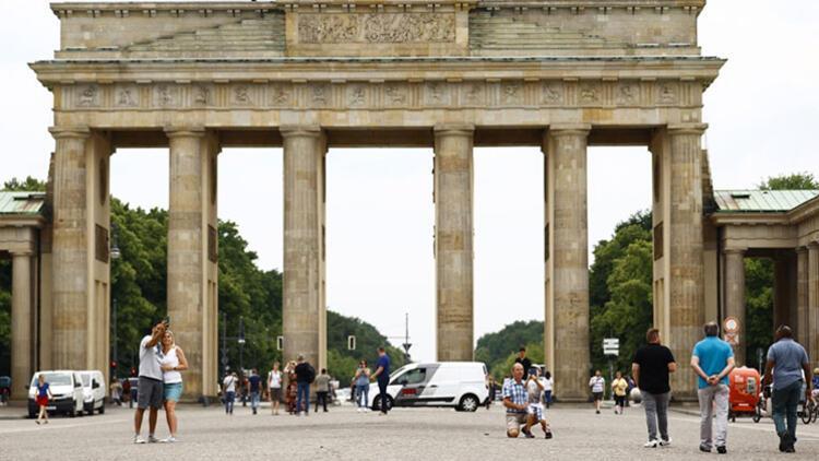 Delta varyantı Almanya'da yaz tatili sezonuna gölge düşürüyor