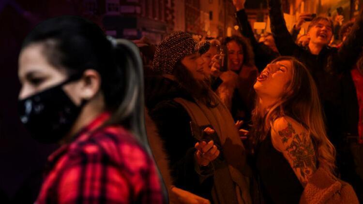 Hollandada negatif test sonucuyla girilen partide en az 165 kişi Covid'e yakalandı