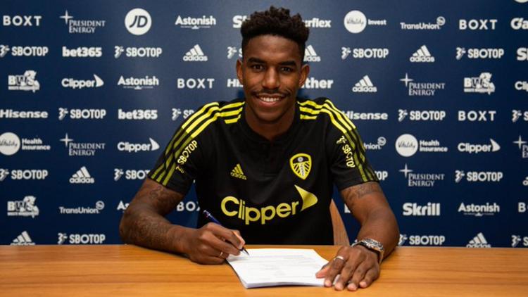 Leeds United, Alioski yerine sol beke Barcelonadan Junior Firpoyu aldı