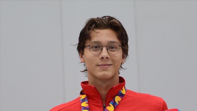 Son Dakika... Milli yüzücü Berke Saka, Avrupa Gençler Şampiyonasında altın madalya kazandı