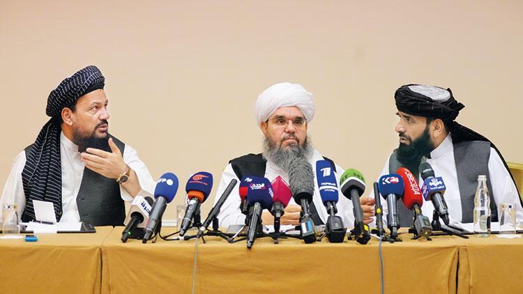 Rusya Taliban'la masaya oturdu
