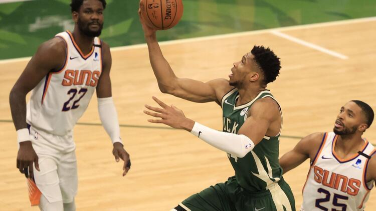 NBA'de Gecenin Sonuçları: Final serisinde üçüncü maçı Bucks kazandı, durumu 2-1 yaptı