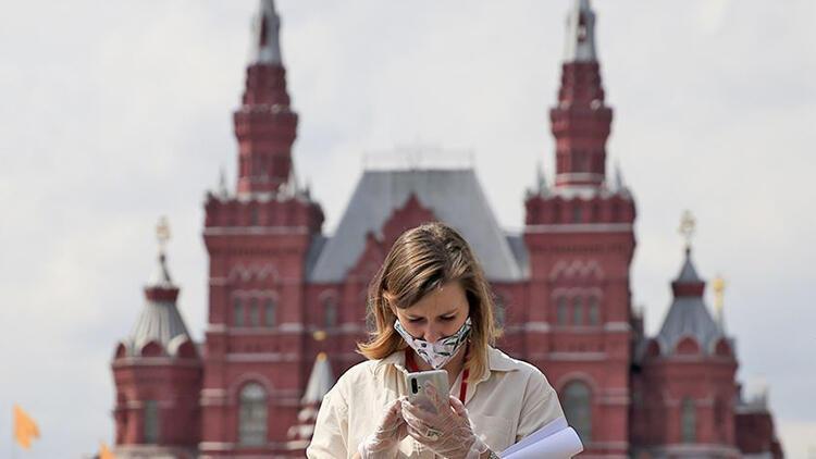 Rusya'da acı rekor: 24 saate 780 ölüm!
