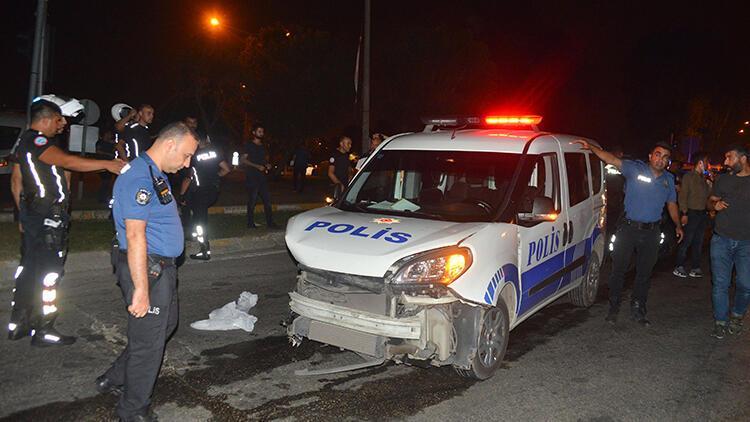 Polis otosu ile hafif ticari araç çarpıştı: 2'si polis 5 yaralı