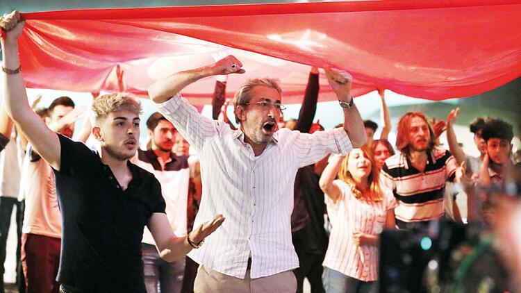 Erkan Petekkaya, Aslıhan Karalar ve Baran Bölükbaşı 'Şafak Vakti'ni anlattı: O gece bir destan yazıldı