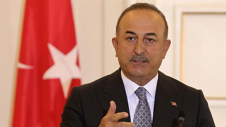 Türkiye'nin FETÖ ile mücadelesini uluslararası medyaya Bakan Çavuşoğlu anlattı