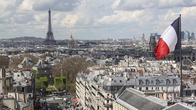 Fransa'da son 24 saatte 3 bin 617 koronavirüs vakası tespit edildi