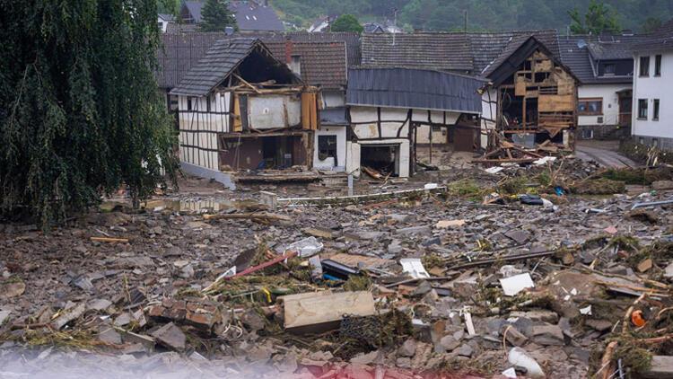 Ölü sayısı 106 oldu, 1400 kişi kayıp