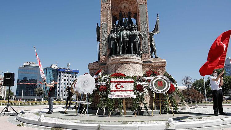 Taksim'de 20 Temmuz Özgürlük ve Barış Bayramı kutlaması