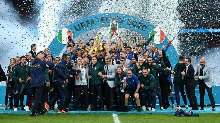 EURO 2020 şampiyonu İtalya'ya devlet nişanı verilecek