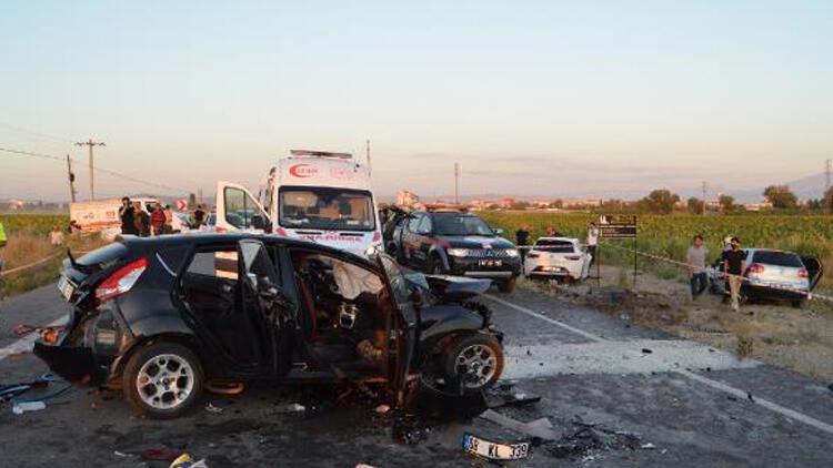 Aksaray'da korkunç kaza! Araçlar birbirine girdi... Ölü ve yaralılar var
