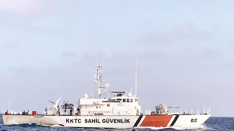 KKTC sahil güvenliği Rum gemisini kovaladı