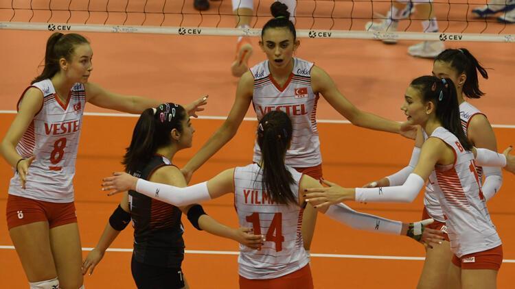 Milliler, yarı finalde İtalya'ya 3-2 mağlup oldu