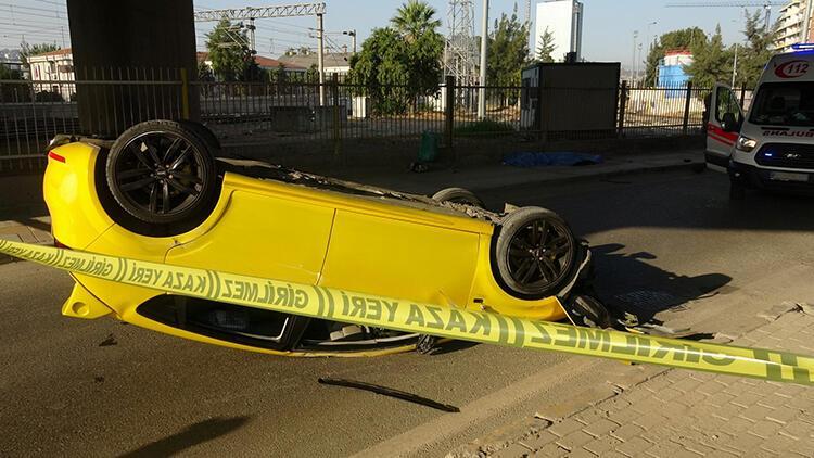 İzmir'de feci kaza! Otomobil takla attı