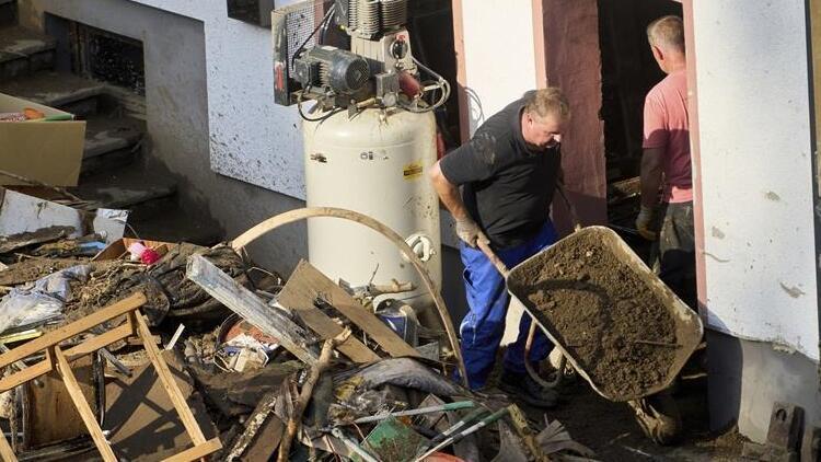 Almanya'daki sel felaketinde bilanço ağırlaşıyor... Ölü sayısı 156'ya yükseldi