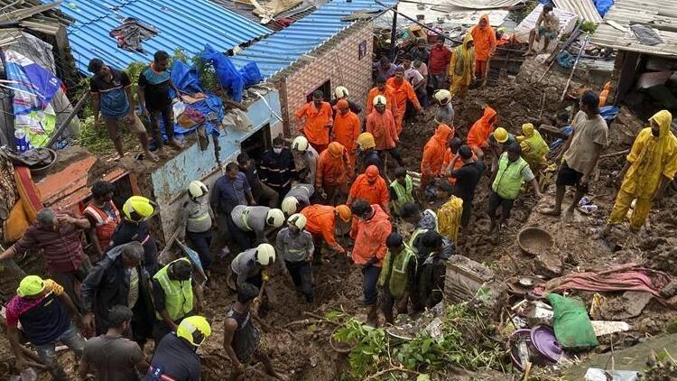 Hindistan'da heyelan felaketi: 20 kişi hayatını kaybetti
