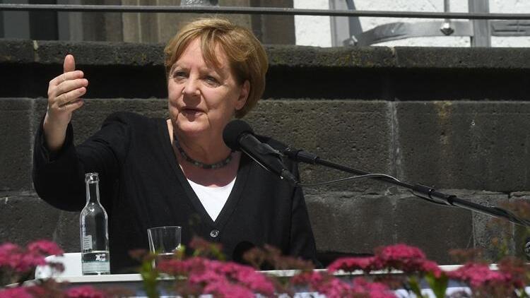 Başbakan Merkel afet bölgesine gitti
