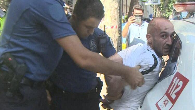 Beşiktaş'ı birbirine kattı… Önce annesine sonra polisin silahına saldırdı!
