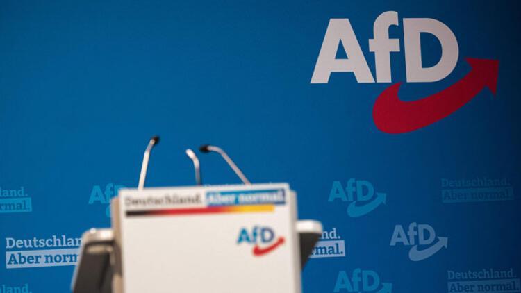 Sağ popülist AfD'de, aşırı sağ sıkıntısı