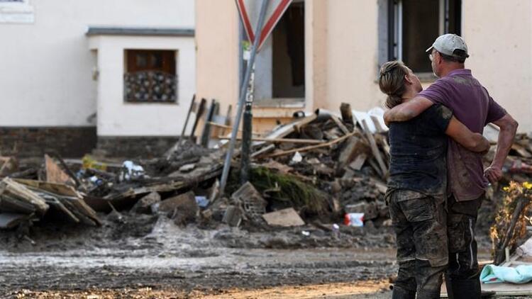 Almanya'da sellerde hayatını kaybedenlerin sayısı 164'e yükseldi
