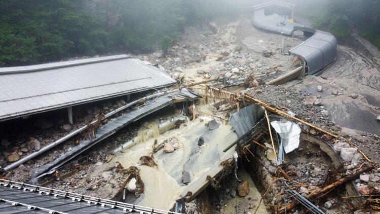 Kayıp 700 kişiden iyi haber: Tsunami gibiydi!