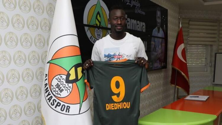 Alanyaspor, Senegalli forvet Famara Diedhiou ile 4 yıllık sözleşme imzaladı