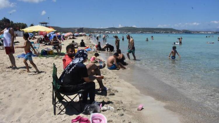 Çeşme plajlarında bayram yoğunluğu