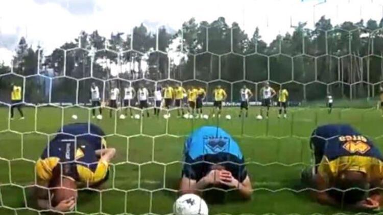Parma antrenmanında görülmemiş ceza! Kaybeden takım futbolcuları hedef tahtası oldu