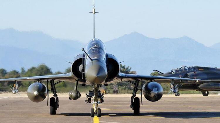 Fransız savaş uçağı Mali'de düştü